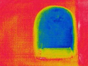 Ι. Ν. Αγίου Νικολάου Φουντουκλή, Ρόδος, βόρεια κόγχη ιερού. Η διαφορά θερμοκρασίας οφείλεται στη διαφορά πάχους τοις τοιχοποιίας στη συγκεκριμένη θέση